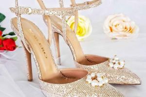 مدل کفش عروس جدید ۲۰۱۹ که استایل تان را لاکچری میکنند + تصاویر