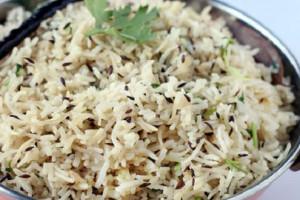 ۲ روش سنتی برای پخت زیره پلو : زیره پلو با گوشت و ساده
