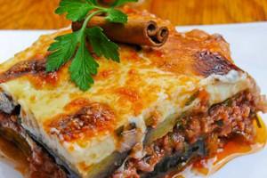 دستور پخت موساکا غذای محبوب یونانی