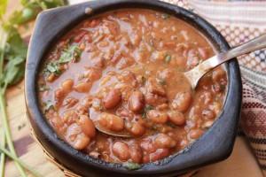 ۲ روش متفاوت برای تهیه خوراک لوبیا