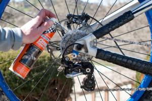 ۲ روش اصولی جهت تمیز کردن زنجیر دوچرخه