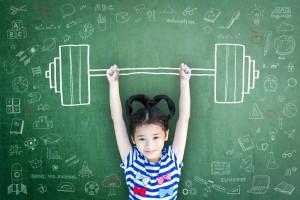 ۱۳ راز تربیت یک دختر قوی و با اعتماد به نفس