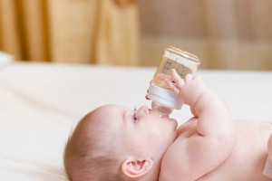 معرفی انواع شیر خشک هومانا به همراه ویژگی های آن ها