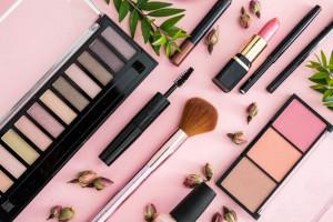 4 ماده مضر در محصولات آرایشی و معرفی بهترین جایگزین برای آنها