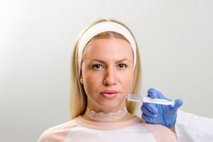 تزریق ژل به لب چقدر ماندگاری دارد؟