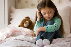علت حرف زدن کودک با خودش چیست ؟