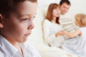 پیامدهای جبران ناپذیر فرق گذاشتن والدین بین فرزندان