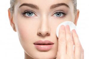 تفاوت آرایش پاک کن با پاک کننده