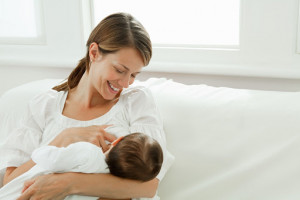 شیر خشک با شیر مادر چه فرقی دارد؟