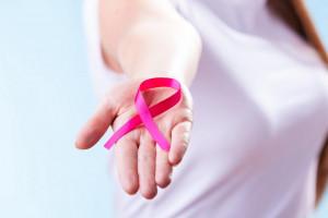 آیا عدم تقارن سینه در خانمها قابل درمان است؟