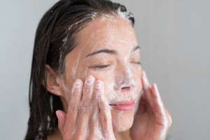 معرفی 10 تا از بهترین صابون های ضد باکتری برای درمان جوش