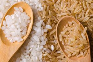 خوردن برنج قهوه ای بهتر است یا برنج سفید ؟