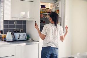 چرا یخچال یکسره کار می کند ؟