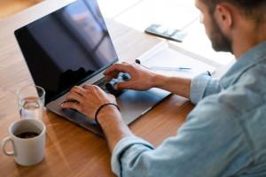 نحوه خنک کردن لپ تاپ و جلوگیری از داغ شدن آن