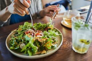 تغذیه شهودی   فواید این شیوه خوردن و این نوع رژیم غذایی در کاهش وزن