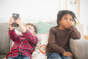 علت ایجاد حس مالکیت در کودکان و نحوه صحیح برخورد با آن