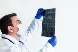 انواع تومور نخاعی و راه های درمان