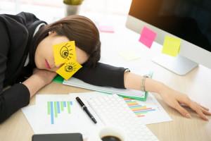این 10 مورد بهترین راه برای رفع خواب آلودگی هنگام مطالعه و درس خواندن است