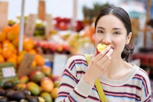 10 فایده مصرف شلیل برای خانم های باردار