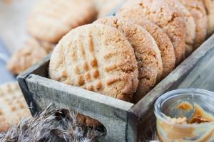 طرز تهیه کلوچه کره بادام زمینی با بهترین روش پخت و طعم عالی