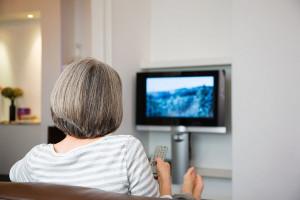 بررسی پیامدهای اعتیاد به تلویزیون