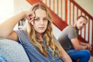 این 10 مورد از نشانه های عشق دروغین است