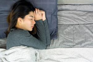 با این 18 ترفند هر شب در خواب 1 کیلو گرم وزن کم کنید