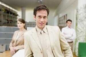 نحوه برخورد با همکار خودشیفته چگونه باید باشد؟