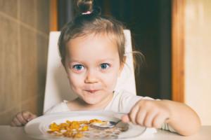 خوردن این مواد غذایی برای کودکان بیش فعال مفید است
