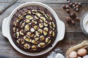 طرز تهیه کیک گردو و موز خوشمزه و ساده با ظاهر خاص و مجلسی