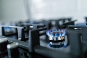 علت جرقه زدن مدام فندک گاز رومیزی چیست؟
