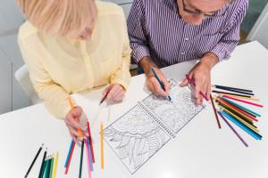 فواید کتاب های رنگ آمیزی برای بزرگسالان و سلامت ذهنی آنها