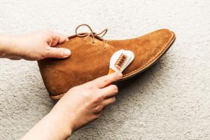 چگونه کفشهای جیر خود را تمیز کنیم؟