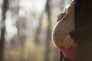 آیا پایین بودن شکم در بارداری خطر ناک است ؟
