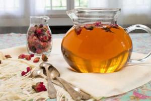 عوارض مصرف گیاه و دمنوش گل محمدی