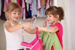 پیامدهای افراط پوشش والدین در حضور فرزندان