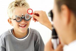 مراحل و مشکلات رشد کودکان نابینا