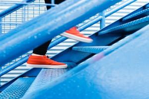 مقایسه کیفیت کفشهای ورزشی از برندهای مختلف