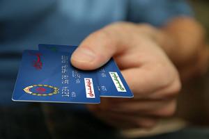 جزئیات دریافت کارت رفاهی 7 میلیونی از پنج بانک