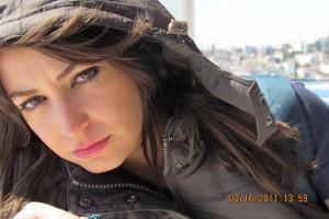 بیوگرافی شیرین صمدی مجری ممنوع التصویر و ماجرای کشف حجاب