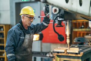 حقوق کارگران در سال 1401 چقدر افزایش می یابد؟