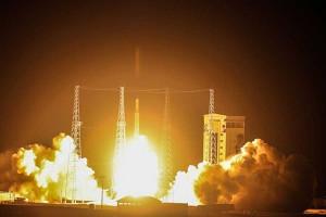 تصاویری از پرتاب ماهواره ظفر
