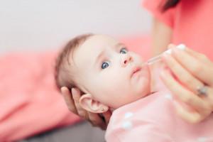 قطره دایمتیکون نوزاد : عوارض ، میزان مصرف و فواید دایمتیکون برای نوزاد