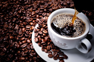 آشنایی با پیامدهای خوردن قهوه ناشتا برای لاغری