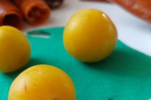 طرز تهیه 2 مدل لواشک آلو زرد خوشمزه و آسان
