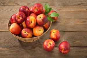 طبع شلیل : میوه شلیل گرم است یا سرد ؟