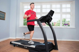 نحوه برنامه ریزی ورزش با تردمیل : چگونه با تردمیل تمرین کنیم ؟