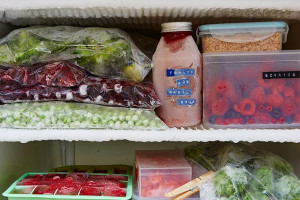 علت یخ زدن مواد غذایی داخل یخچال چیست ؟