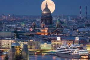 10 جاذبه خیره کننده سن پترزبورگ روسیه
