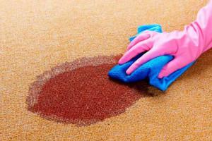 چگونه لکه خون را از روی فرش پاک کنیم ؟